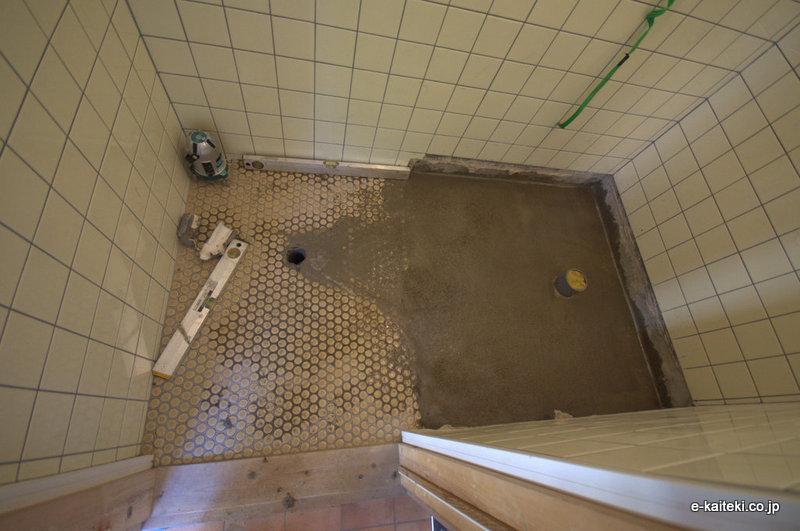 トイレ床 下地コンクリート