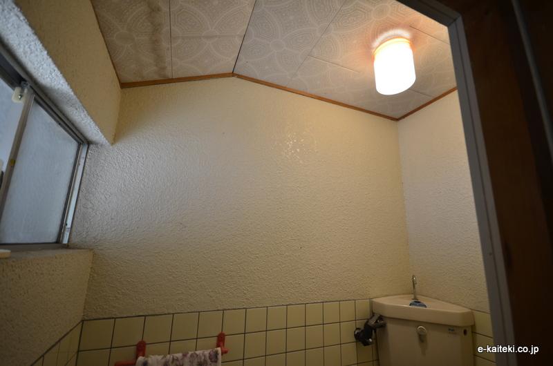 トイレ モルタル塗装仕上壁