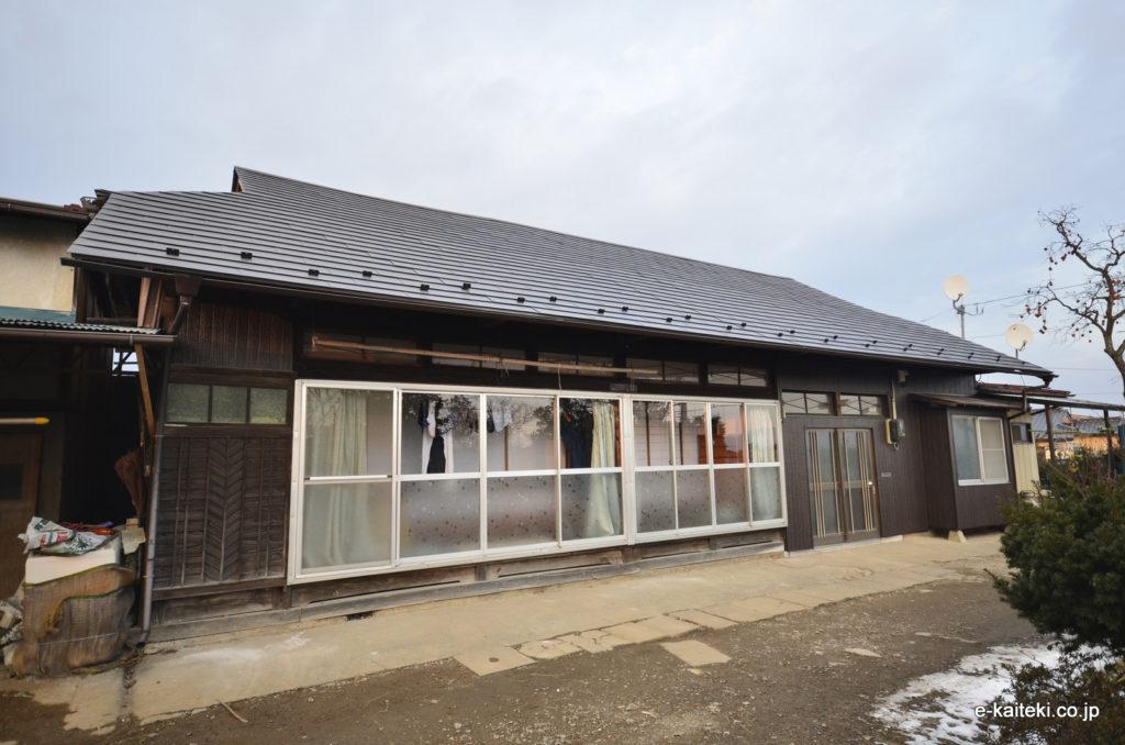 屋根・外壁(外装リフォーム) 外壁:ウッド調、金属製サイディング 製品メーカー:旭トステム外装